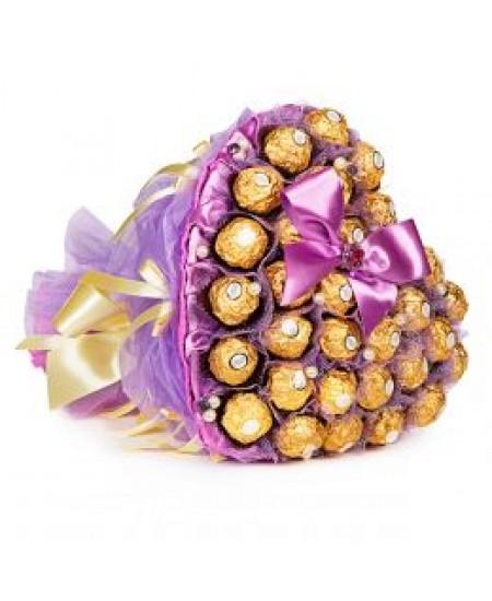 Букет из конфет Сиреневое сердце