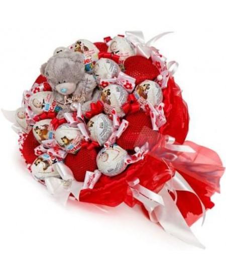 Букет из конфет  Мишка в киндерах