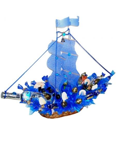 Букет из конфет  Корабль Шхуна «Молния»
