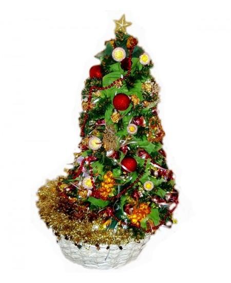 Букет из конфет  Кремлевская елка  - Супер цена 9900 рублей - Срочная доставка в Москве