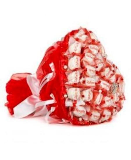 Букет из конфет  Горячее сердце