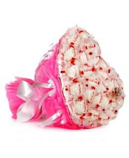 Букет из конфет  Розовое сердце