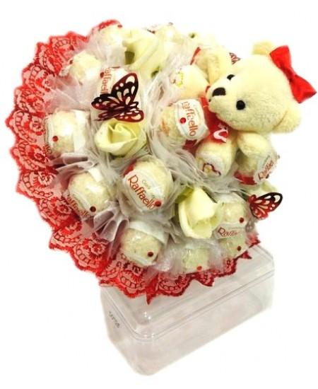 Букет из конфет  Малышка - Срочная доставка в Москве
