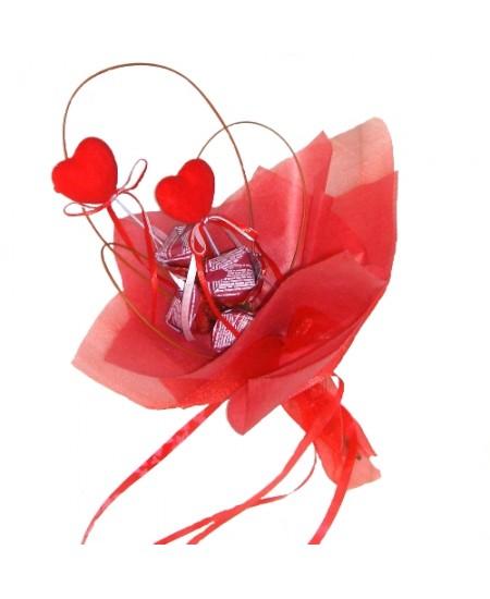 Букет из конфет  Любовь - срочная доставка в Москве
