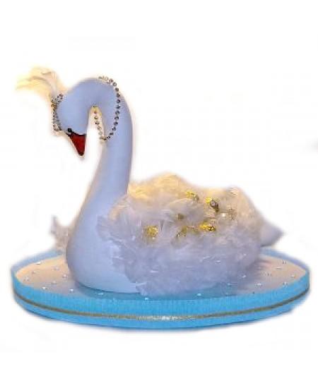 Букет из конфет  Белый лебедь
